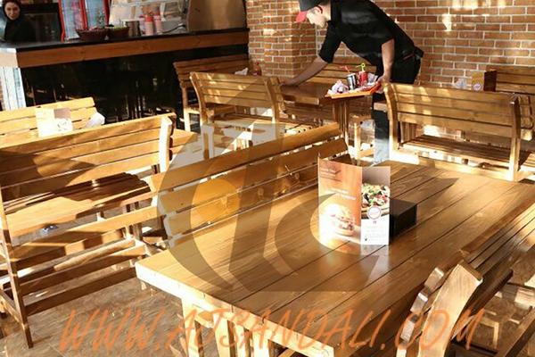 توجه اصلی تولید کننده میز و صندلی کافی شاپ و رستوران
